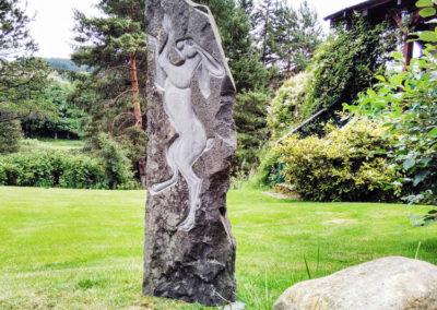 Boxing hare garden sculpture
