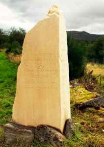 tom-fleming-headstone1